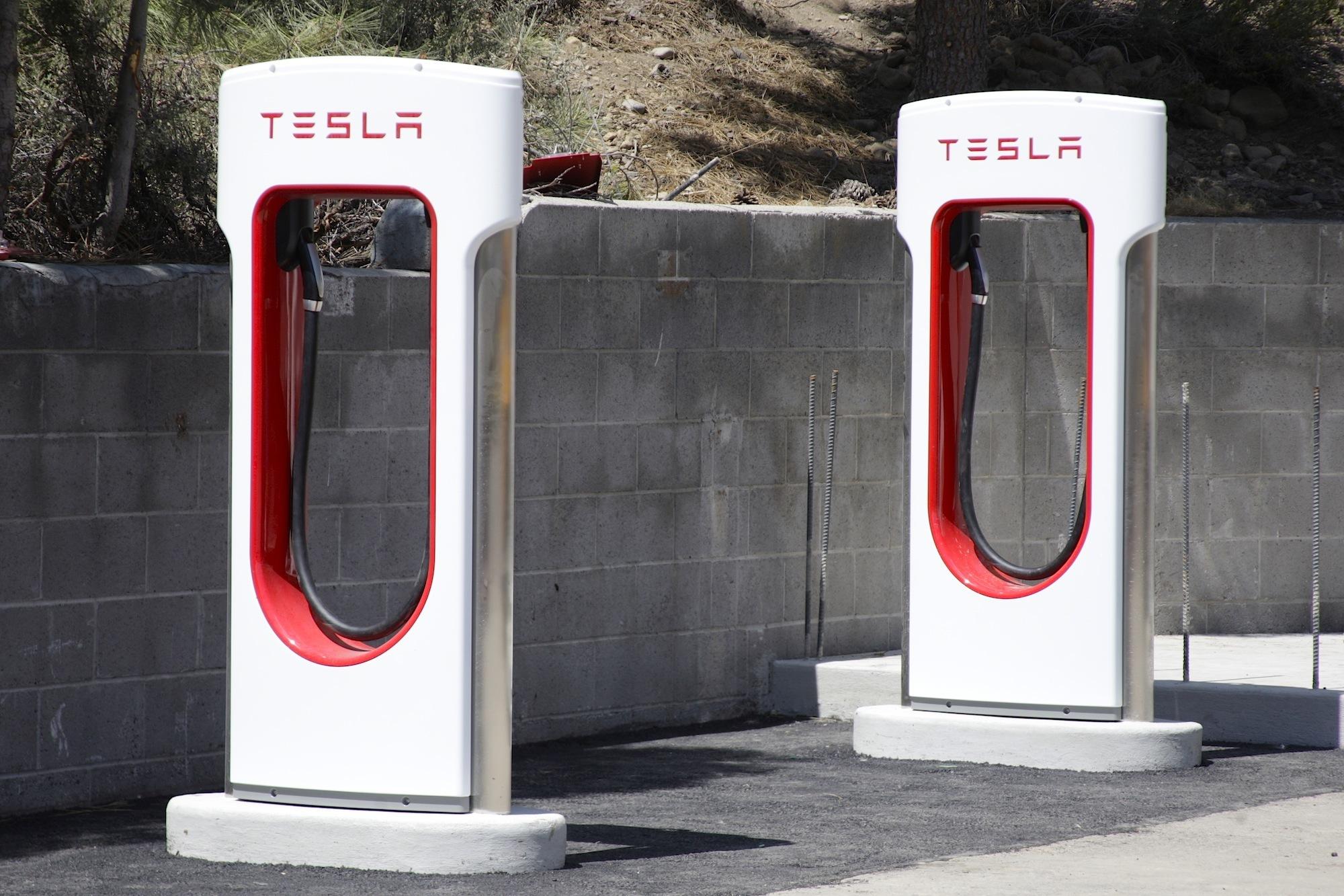 detroit tesla to end unlimited free use of supercharging stations. Black Bedroom Furniture Sets. Home Design Ideas