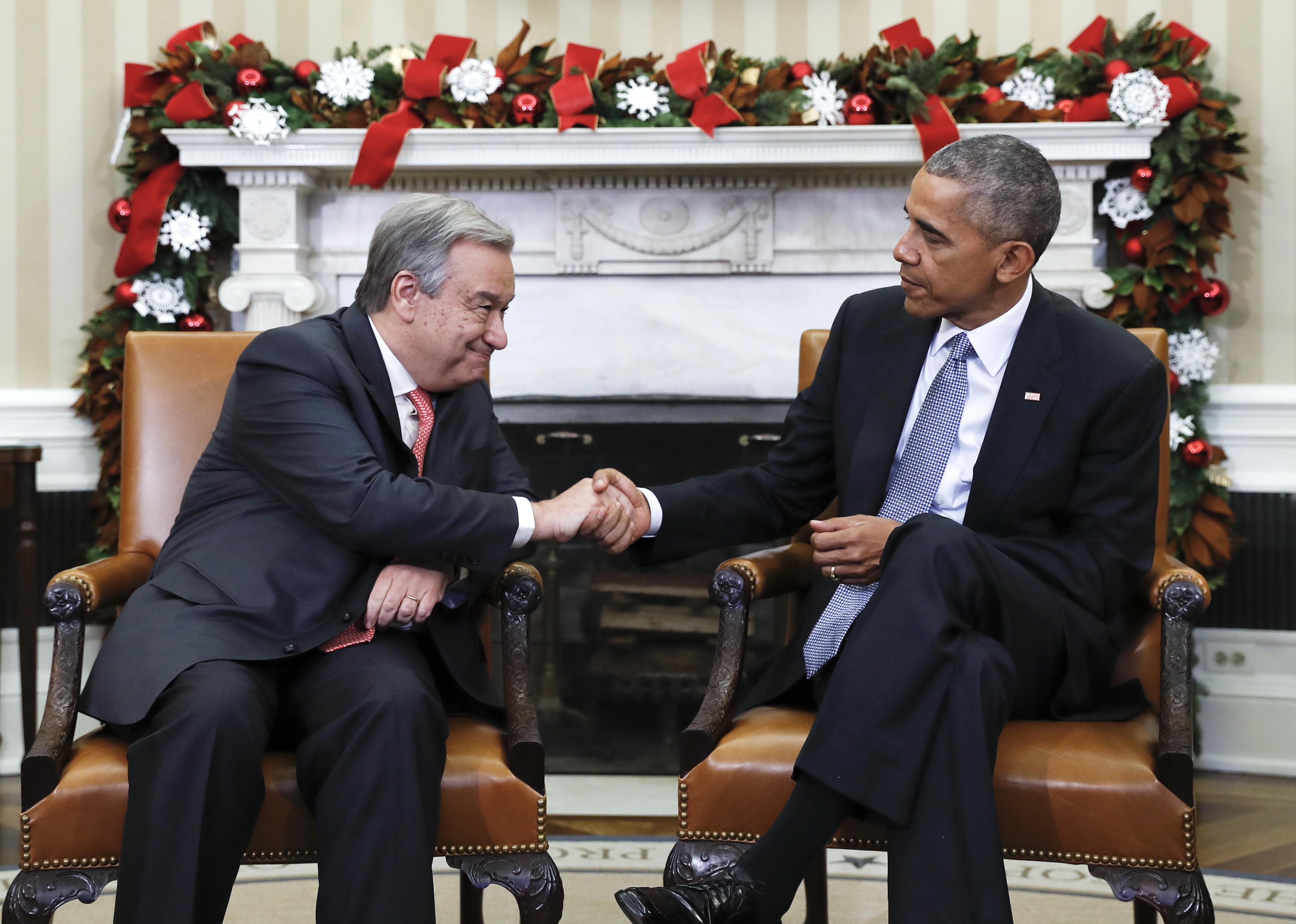 barak obama oval office golds. President Barack Obama Shakes Hands With United Nations Secretary-General-designate, Antonio Guterres Barak Oval Office Golds I