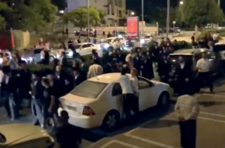 Orthodox Beit Shemesh: Orthodox Mob Harasses Teenage Girl In Beit