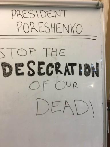 Rabbi Herzfeld said he left this note for Ukrainian President
