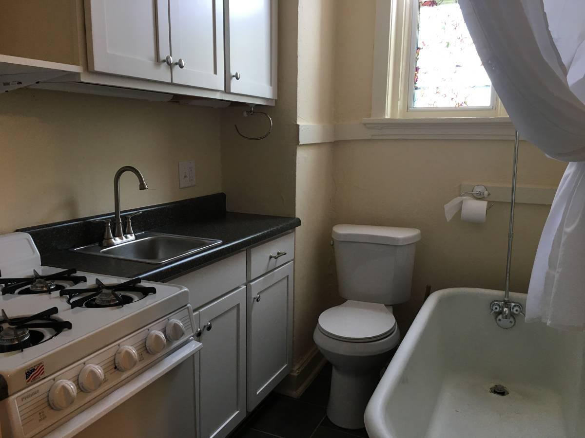 St Louis St Louis Apartment With Kitchen Bathroom Combo Creates Stir