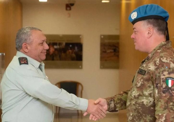 IDF Chief of Staff Gadi Eizenkot and UNIFIL head Maj.-Gen. Stefano Del Col. (photo credit: IDF SPOKESPERSON'S UNIT)