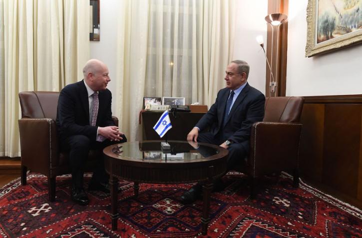 Jason Greenblatt, left, meeting with Benjamin Netanyahu in Jerusalem. (Kobi Gideon / GPO)