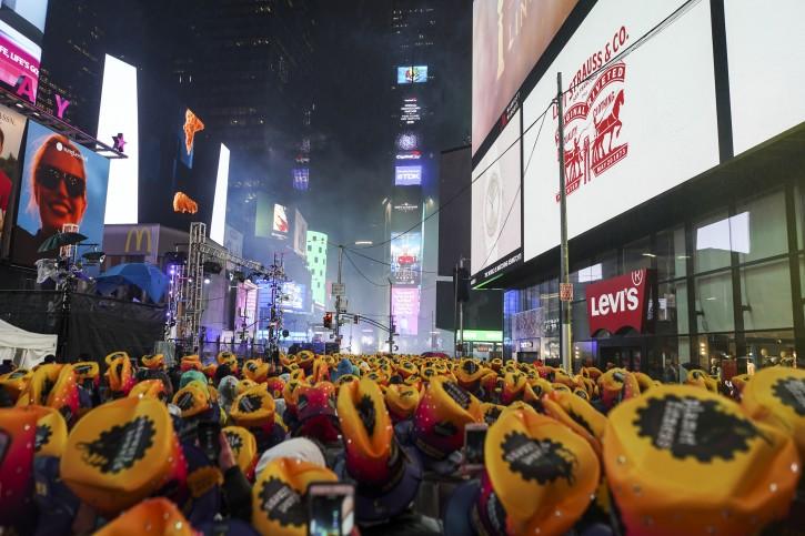Soggy Throngs, Fireworks Greet 2019 In Rain