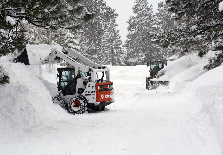 Flagstaff Az Storm Dumps Record Breaking Snow In