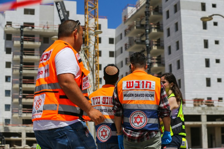 The Scene where a crane collapsed at a construction site in Yavne, killing four people and injuring one more, May 19, 2019. Photo by Flash90