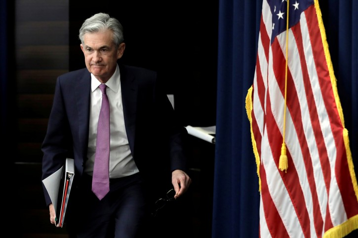 Federal Reserve Board Chairman Jerome Powell arrives at his news conference following the closed two-day Federal Open Market Committee meeting in Washington, U.S., May 1, 2019. REUTERS/Yuri Gripas/File Photo