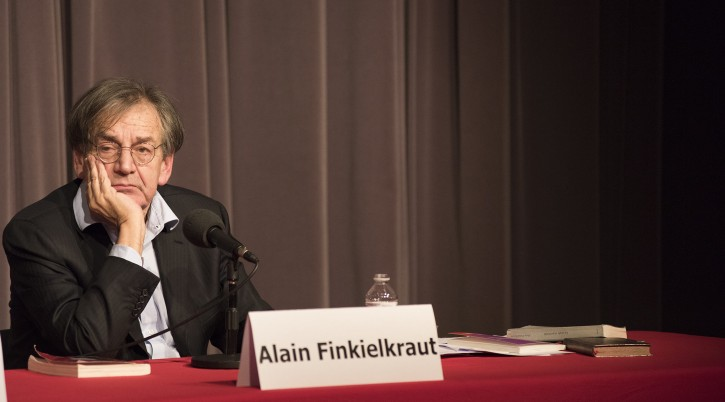 Alain Finkielkraut mulls the answer to a question at an appearance in Brussels, Belgium, April 3, 2016. (Cnaan Liphshiz)