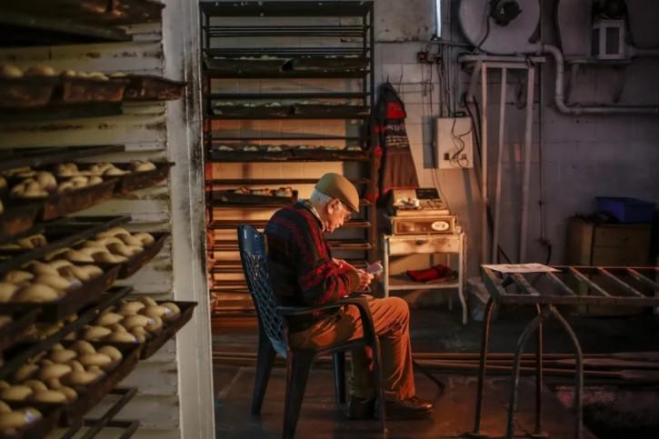 FILE - Matti Lendner in his bakery