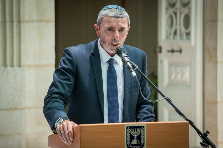 Newly appointed Education minister MK Rafi Peretz speaks during exchange ceremony of ministers, held at the Ministry of Education in Jerusalem, on June 26, 2019. Photo by Yonatan Sindel/Flash90