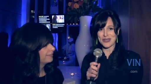 In 2013 VIN News reporter Sandy Eller (L) speaks to Mrs. Neuberger at an event where she was honored as an Orthodox Jewish All Star by the Jew in the City.